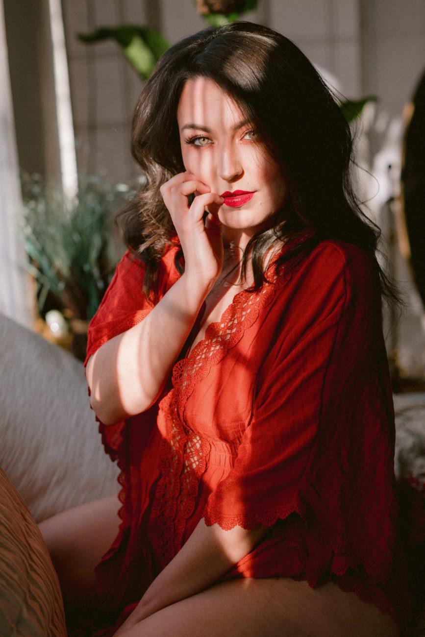 A bohemian boudoir session in Hayward California by SF Bay Area Photographer Heather Elizabeth